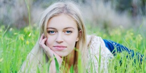 blonde-girl-in-grass